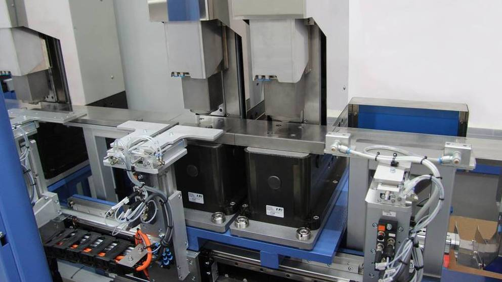 testing system for springs with servo press aiPRESS | IEF-Werner